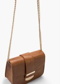 http://shop.mango.com/FR/p0/femme/accessoires/sacs/petit-sac-a-rabat/?id=55015641_CU&n=1&s=accesorios.bolsos&ident=0__0_1452542404352&ts=1452542404352&p=26&page=2