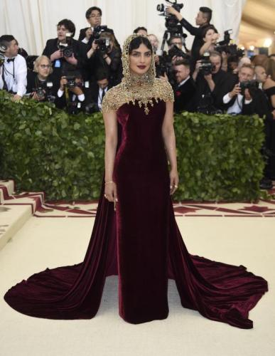 MET Gala 2018 Priyanka Chopra makes a style statement with her dramatic look.jpg