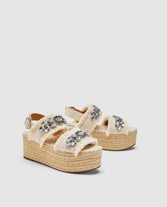 https://www.zara.com/fr/fr/chaussures-à-talons-compensés--plateformes-et-verroteries-p13306301.html?v1=6575099&v2=1046063